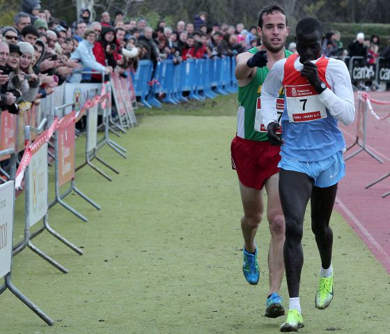 Iván Fernández Anaya winning Abel Mutai